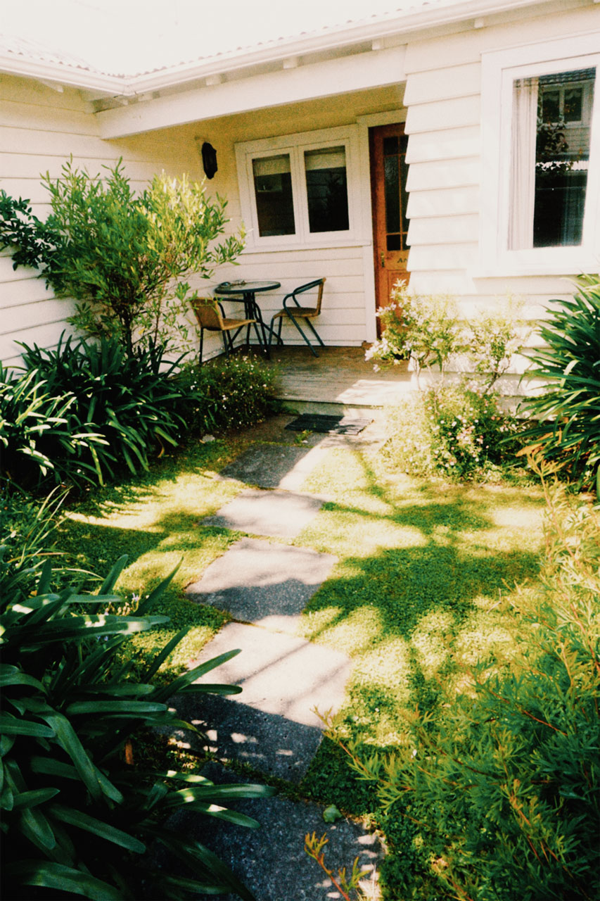 Cottage Andate garden path higher viewpoint